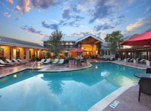 lakewood pool